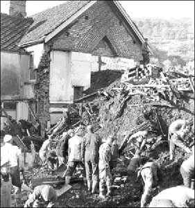 Rescue efforts at the site of the Aberfan Disaster, 1966. From: http://www.nuffield.ox.ac.uk/politics/aberfan/home.htm